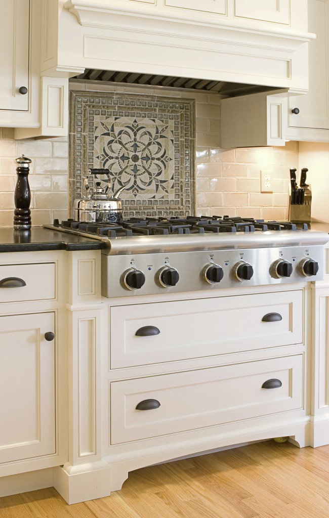 What You Need To Know About Custom Cabinets