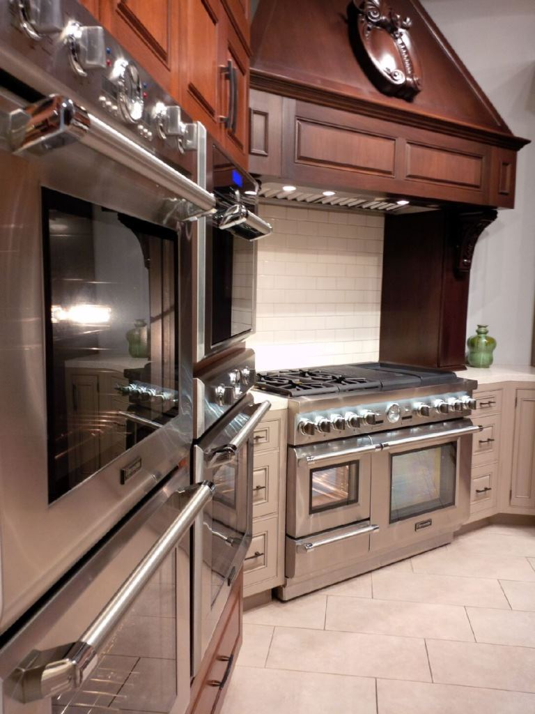 Steam ovens, and pro ranges and wall ovens in the cooking theater.